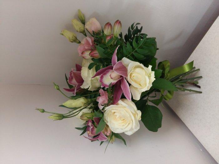 Доставка цветов по петербургу срочно москва 3