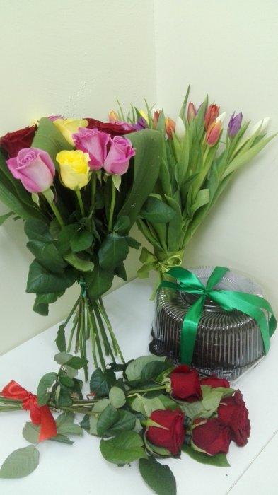 Доставка цветов круглосуточно, лепестков роз купить цветы из мастики