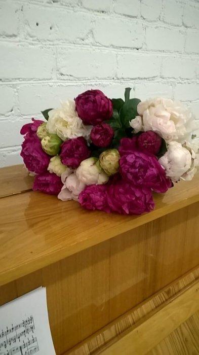 Букеты мир цветов доставка по спб пионы